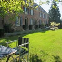 Hotel Pictures: Les Chambres du Manoir de Guitry, La Chapelle-Yvon