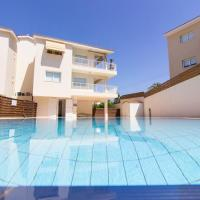Hotel Pictures: Avlida Holiday Appartment, Paralimni