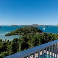 Hotel Pictures: Villa Whitsunday - Waterfront Retreat, Shute Harbour