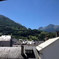 Hotel Pictures: Le Touristic, Luz-Saint-Sauveur