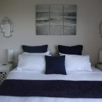Queen Room with Private Bathroom - Tui