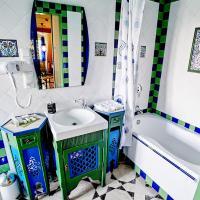Standard Triple Room (Arabic Style)
