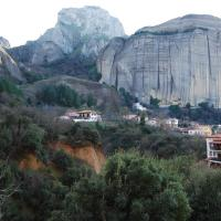 Double Room with Balcony and Parnoramic Meteora View