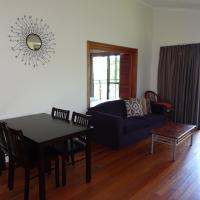 Hotel Pictures: #36 Korora Palms - 2 Bedroom Bure, Moonee Beach
