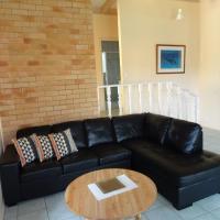 Hotel Pictures: #13 Korora Palms - 2 Bedroom Villa, Moonee Beach