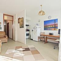 Hotel Pictures: Private Apartment Ossietzkyring (5159), Hannover