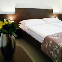 Hotel Pictures: Penzion Dobré Hnízdo, Zlín