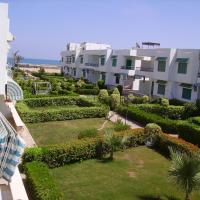 Hotel Pictures: Canary Chalet, Ain Sokhna