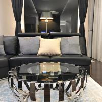 Luxury Two-Bedroom Suite with Terrace and Royal Castle View