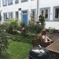 Hotel Pictures: Idyllic Town House Apartment, Copenhagen