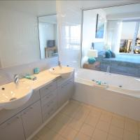 Aspect One-Bedroom Apartment with Spa Bath