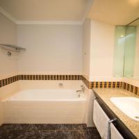 Splendid One Bedroom Apartment