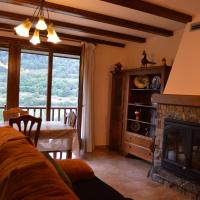 Hotel Pictures: Pedraforca House, Gósol