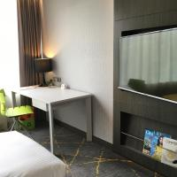Premier Triple Room with Free Breakfast and Free WiFi
