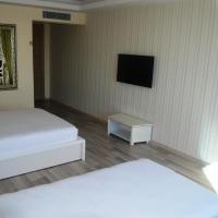 Comfort Quadruple Room with City View