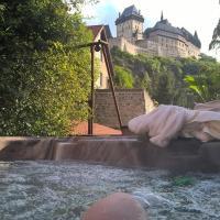 Hotel Pictures: B&B Stodola, Karlštejn