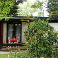 Hotel Pictures: Garden Studio Chantilly, Chantilly