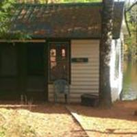 Two Bedroom Cottage - Bay