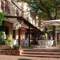 Hotel Pictures: Auberge Aux Portes de Conques, Saint-Cyprien-sur-Dourdou