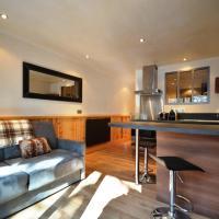 Hotel Pictures: Comfortable cocoon in Meribel, Les Allues