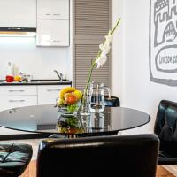 One-Bedroom Apartment on Rudanskogo Street 3