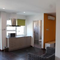 Hotellikuvia: Tiara Hill Residence, Kampong Madewa