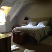 Hotel Pictures: Les Charmilles, Garancières