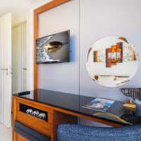 One-Bedroom Apartment with Sea View (1217 B)