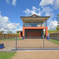 Hotel Pictures: Two Storey Beach House, Hervey Bay