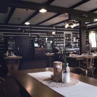 Hotel Pictures: Penzion a restaurace Sokolí boudy, Dolní Malá Úpa