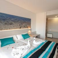 Premium Twin Room with Sea View and Balcony