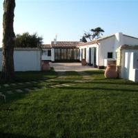 Hotel Pictures: Rental Villa Villa Contemporaine Avec Grand Jardin Proche, Ars-en-Ré