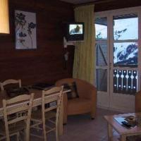 Hotel Pictures: Rental Apartment Hameau Appartements VI - Flaine, Flaine