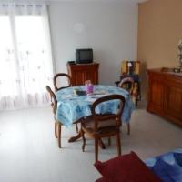 Hotel Pictures: Rental Apartment L'Ecuyer - Royan, Royan