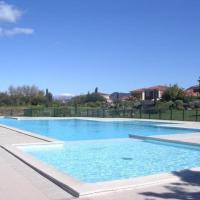 Hotel Pictures: Rental Apartment Lac Aurelien - Frejus, Fréjus