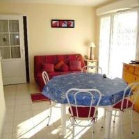 Hotel Pictures: Rental Apartment Domaine Des 2 Mers, Sarzeau