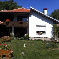 Hotel Pictures: House Gabri, Ostrovche