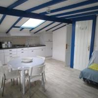 Hotel Pictures: Rental Apartment Evariste Baignole 5, Ciboure
