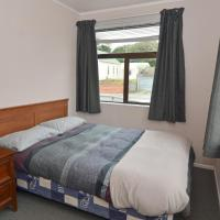 Standard Double Room with Private Bathroom (Backpackers)
