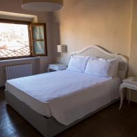 Deluxe One-Bedroom Apartment - Separate Building