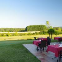 Hotel Pictures: La Bastide d'Iris, Vagnas