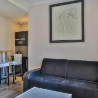 Deluxe One-Bedroom Apartment (5 adults)