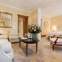 Deluxe Junior Suite with Court View