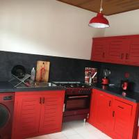 Hotel Pictures: Nandy's home, Odza II