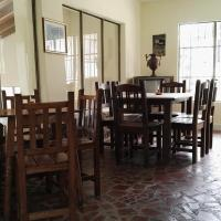 Hotel Pictures: Hostal Piedra Gorda, Santa Elena