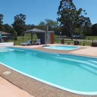 Hotel Pictures: Merimbula Lake Holiday Park, Pambula