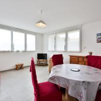 Hotel Pictures: Appartement Cour rouge, Saint-Gilles-Croix-de-Vie
