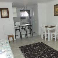 Trixie Self Catering Two Bedroom Apartment