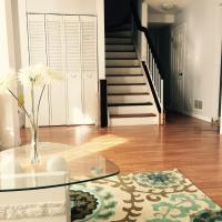 Hotel Pictures: A Suite Escape Guest House Toronto, Toronto