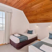 Three-Bedroom Cottage - Bay View